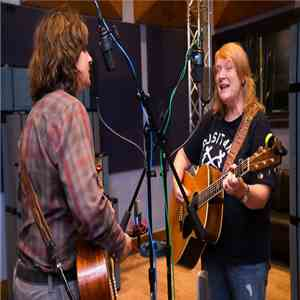 Indigo Girls - Folkadelphia Session 4​/​12​/​2015